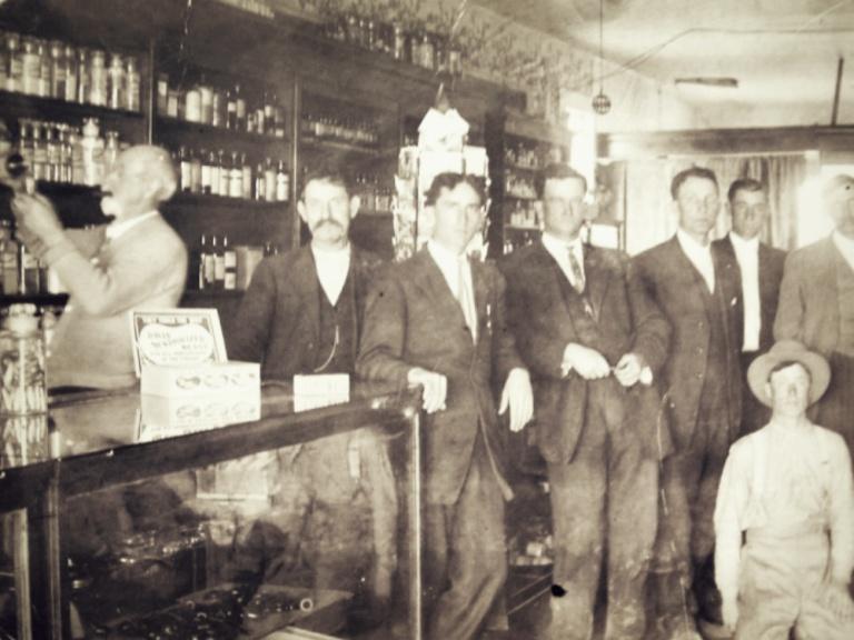 Downtown Overton drugstore, 1915